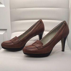 Adrienne Vittadini Leather Loafer Pumps. Tan,Sz 8M